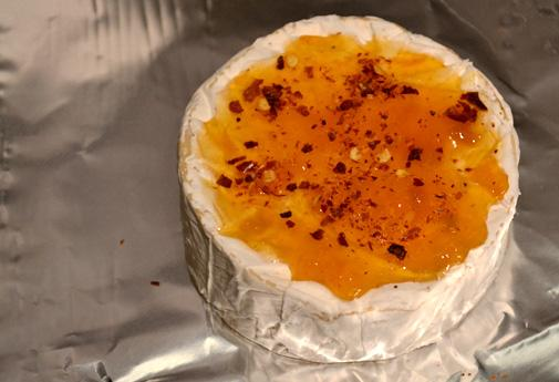 fig-olive-tapenade-camembert-apricot-chili_3b.jpg