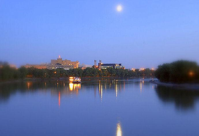 Evening%20on%20the%20Red%20River%20%28Image%20Tourism%20Winnipeg%29.jpeg