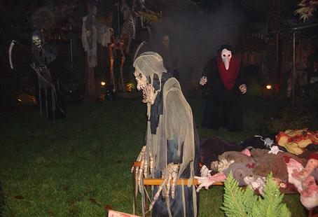 Ledgendary Dunbar Haunted House is one of Vancouver's spookiest haunts, sure to give thrills and chills to all ages