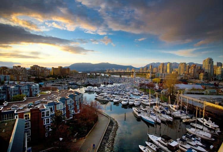 Hoping to set sail this summer? There are plenty of ways to rent a boat in Vancouver, so anchors aweigh!
