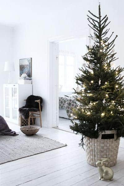 Create a festive look at home without giving up a minimalist aesthetic