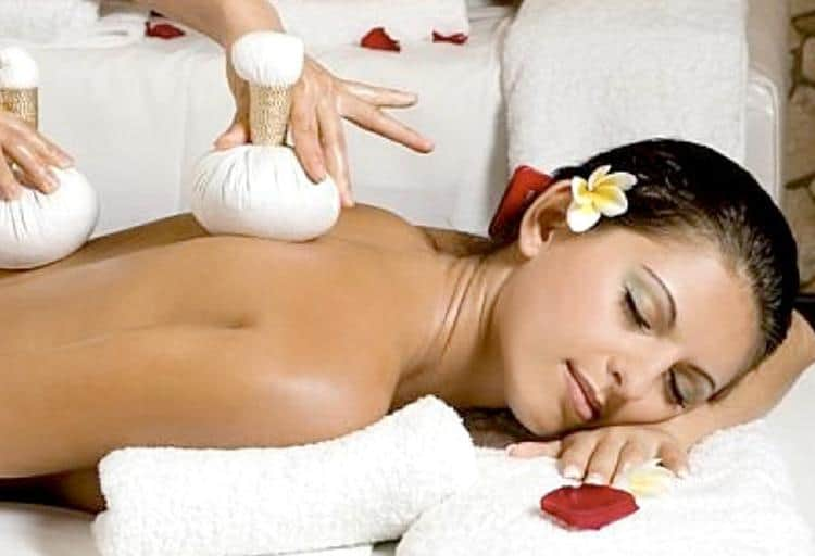Heavenly hot herbal massage