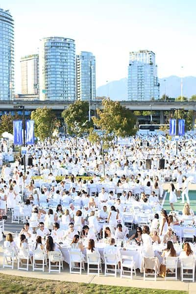 Le Dîner en Blanc celebrates its fifth anniversary in Vancouver with 6,000 guests dressed in white
