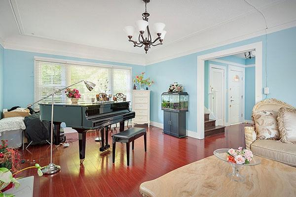 Vancouver-real-estate-west-side-piano.jpg