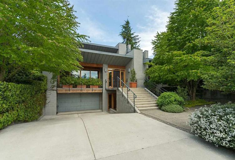 15.vancouver-real-estate-outside-front.jpg