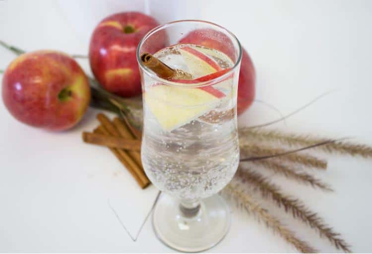 Apple and cinnamon sparkling water recipe