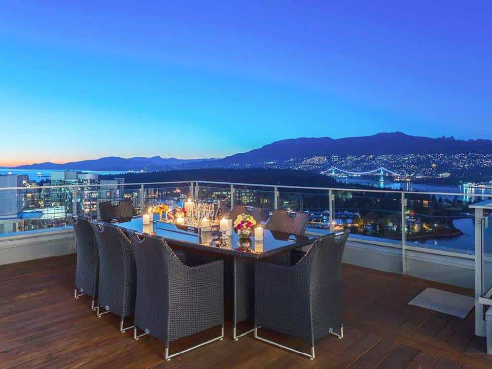Coal-Harbour-Penthouse-deck-seating.jpg