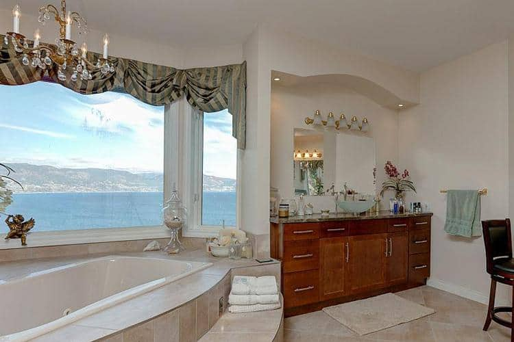 Big fat deal 7 5 million for a place in peachland bcliving for Bathroom 75 million