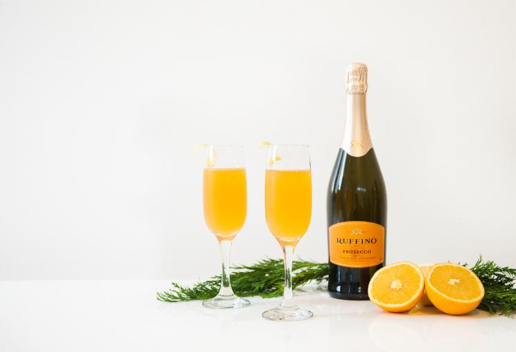 Mixologist, sommelier and top bar and beverage consultant Lauren Mote shares two fabulous fizzy cocktail recipes sure to get your holiday guests buzzing