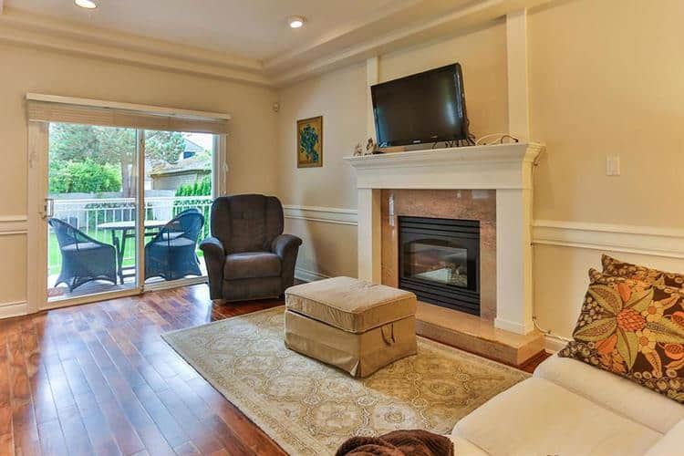 11.vancouver-west-side-real-estate-living-room.jpg