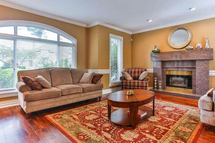 13.vancouver-west-side-real-estate-livingroom3.jpg