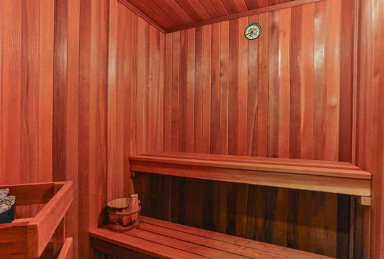 16.vancouver-west-side-real-estate-sauna.jpg