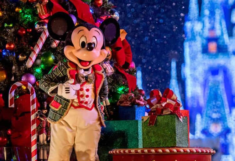 The Disney Parks's Magical Christmas Celebration: Sunday, December 25