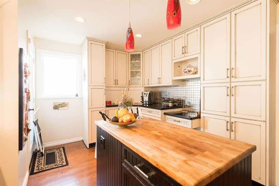 vancouver real estate kitchen island