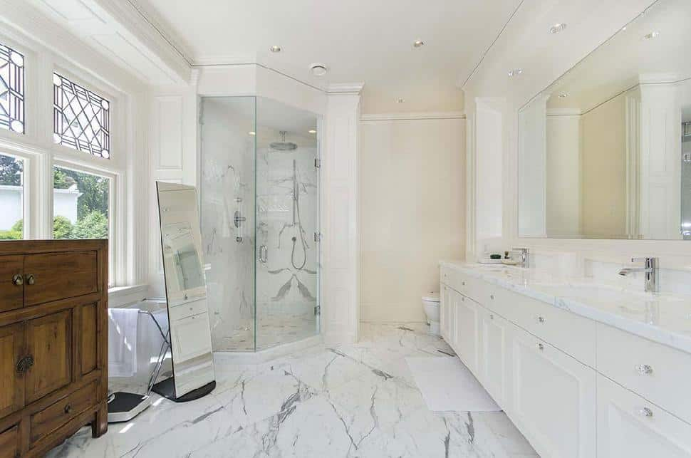Shaughnessy Mansion bathroom