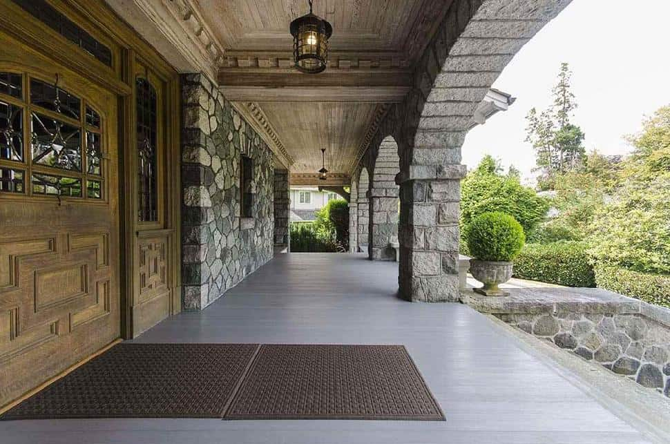 Shaughnessy Mansion porch
