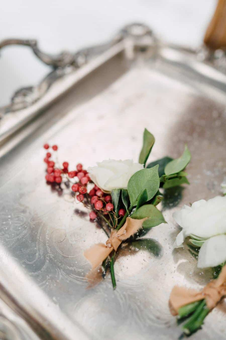 winter-garden-shoot-Esu-Floral-boutonniere-on-tray.jpg