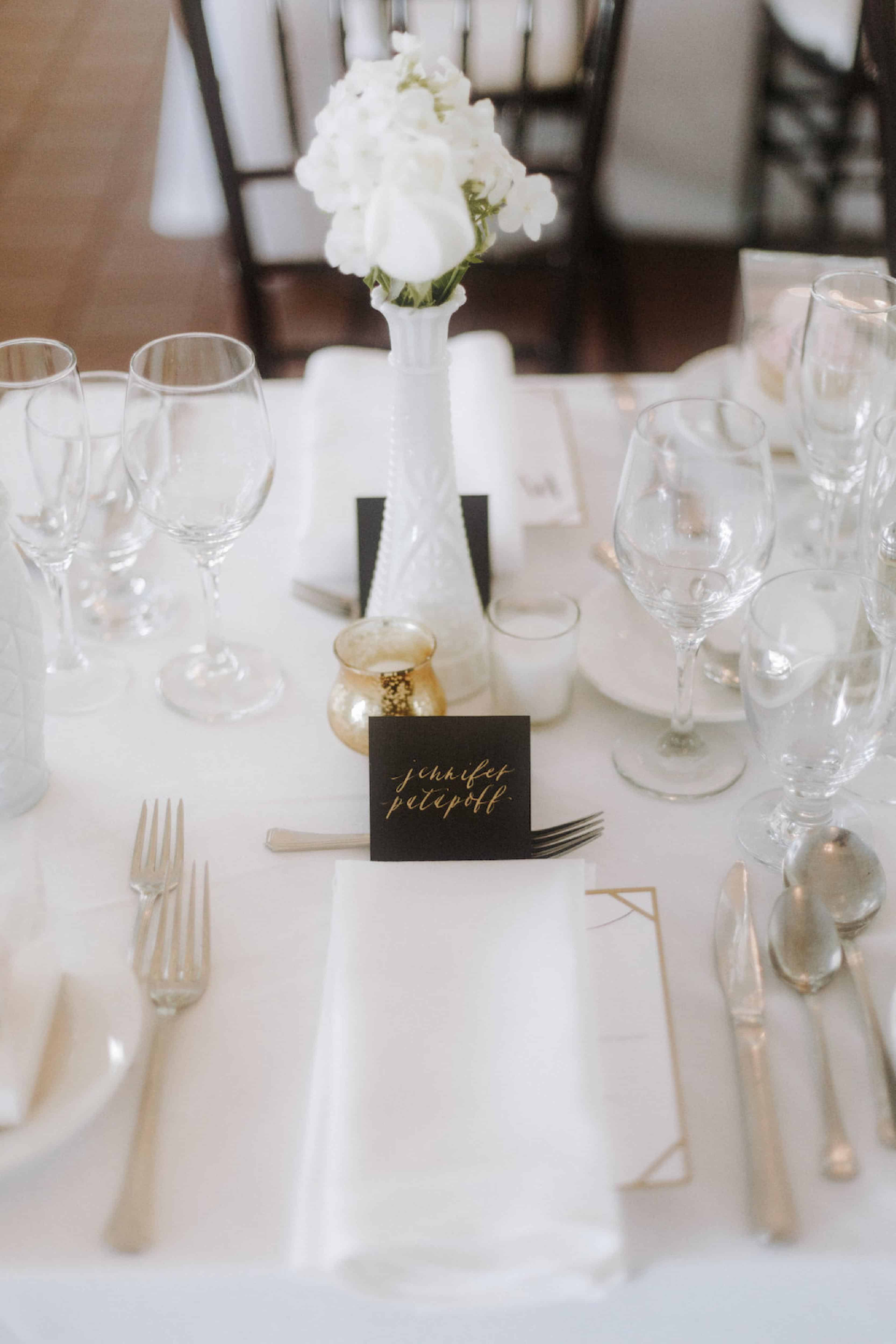 table-setting-Petite-Pearl-Events.jpg