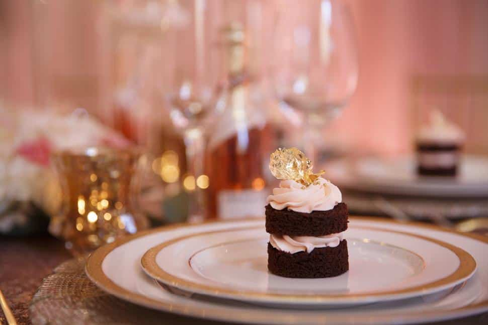 cupcake-chocolate-with-gold-foil-The-Cake-and-the-Giraffe.jpg