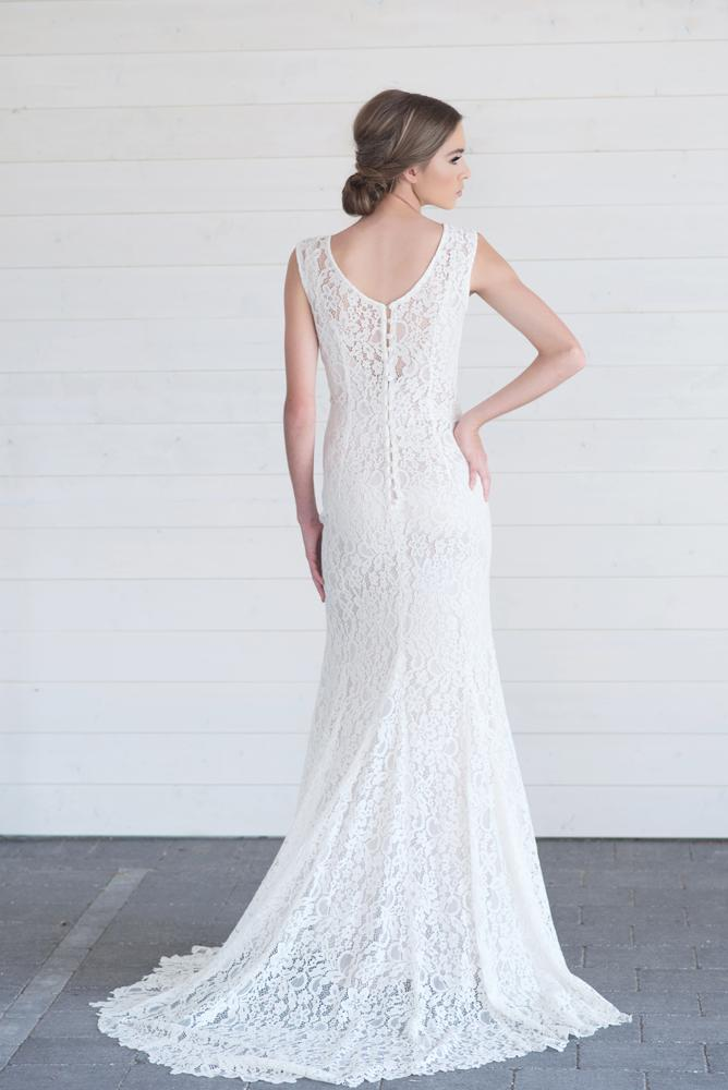 Lillian-Wild-2017-Heritage-overlay-in-Isabel-lace.jpg