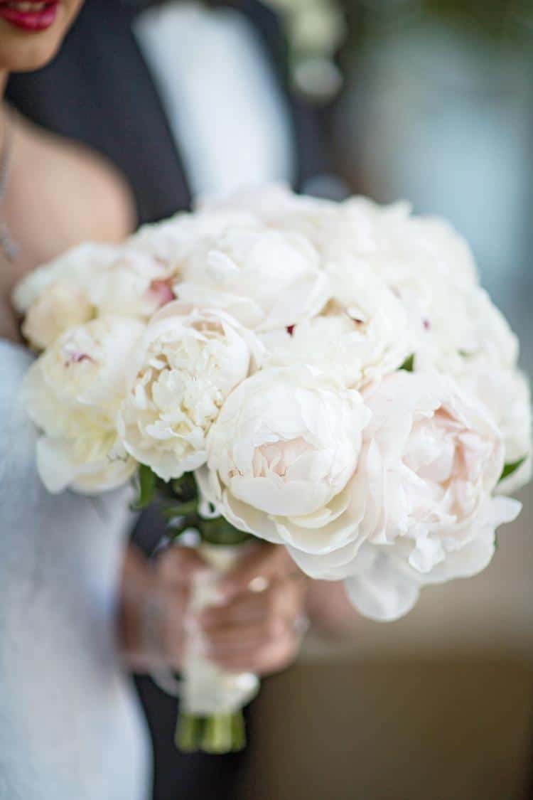 Vivio Flowers, all-white bouquet