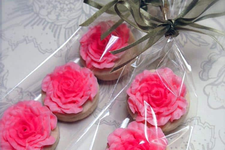 custom cookies wedding favour