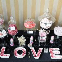 18_wedding_candy_bar.jpg