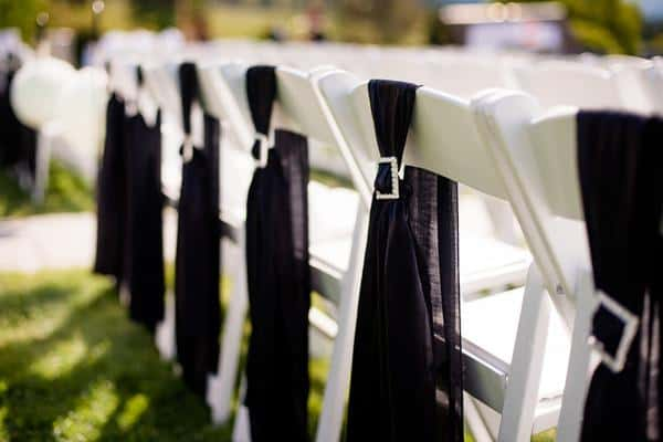 03_wedding_chair_decor.jpg