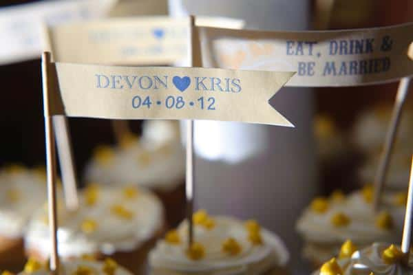 devon_kris_wedding_cupcakes1.jpg