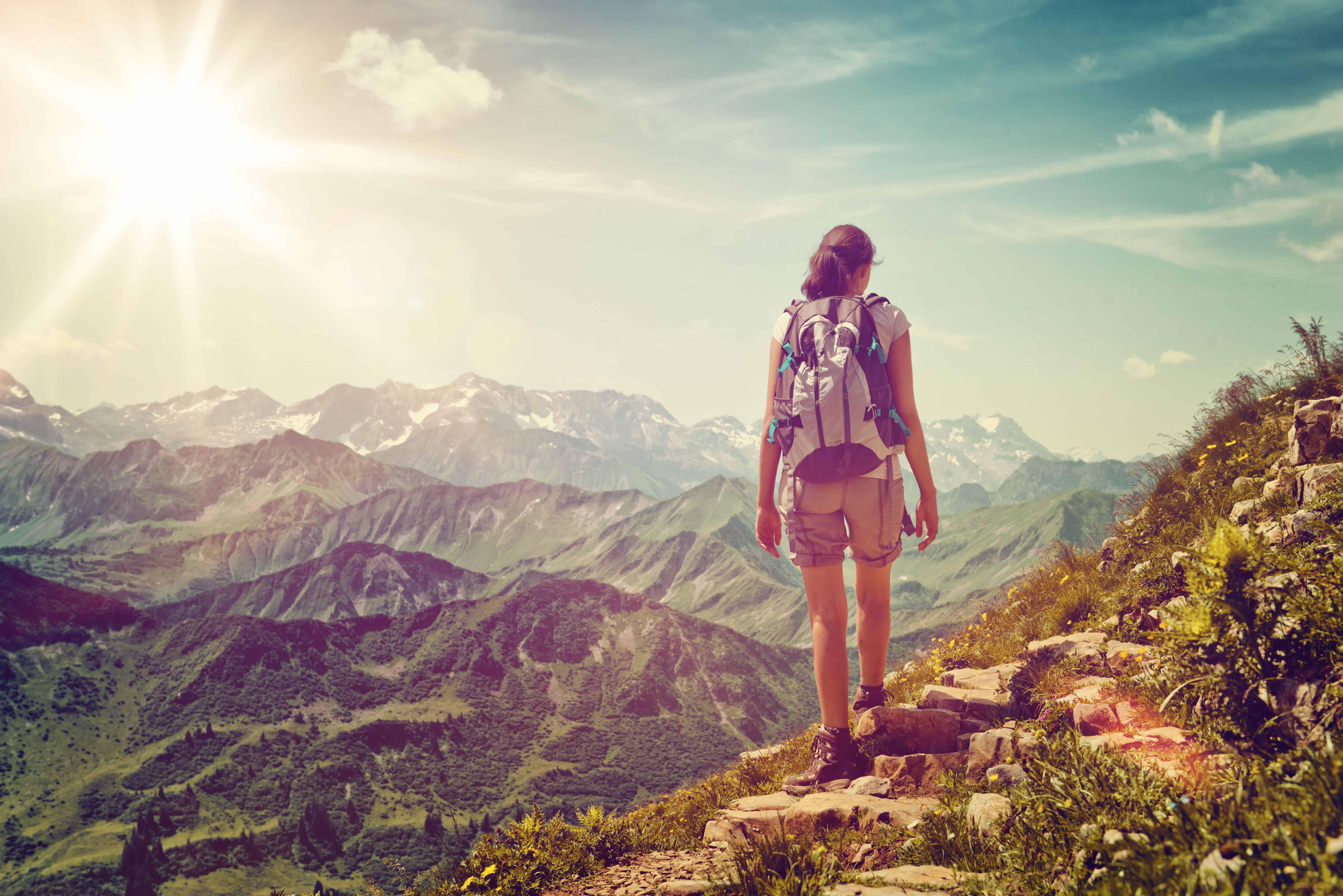 Essential Hiking Gear Checklist