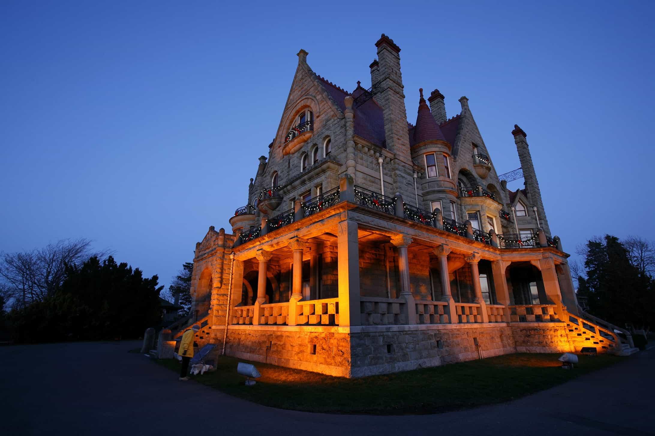 canada s castle the historic gem that is craigdarroch. Black Bedroom Furniture Sets. Home Design Ideas