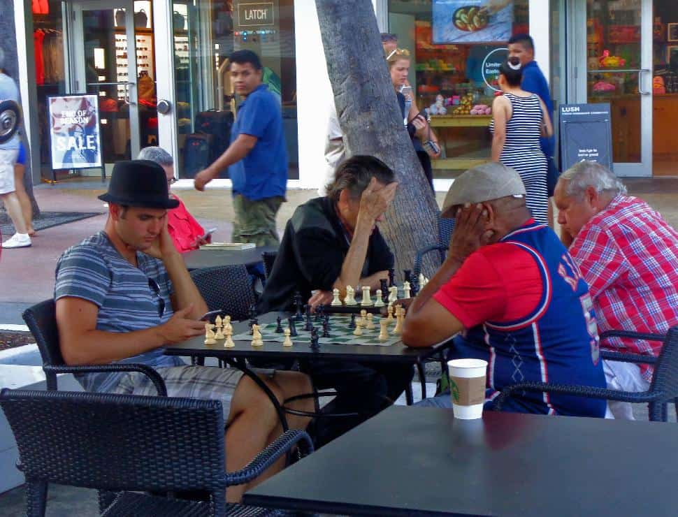 miami playing chess