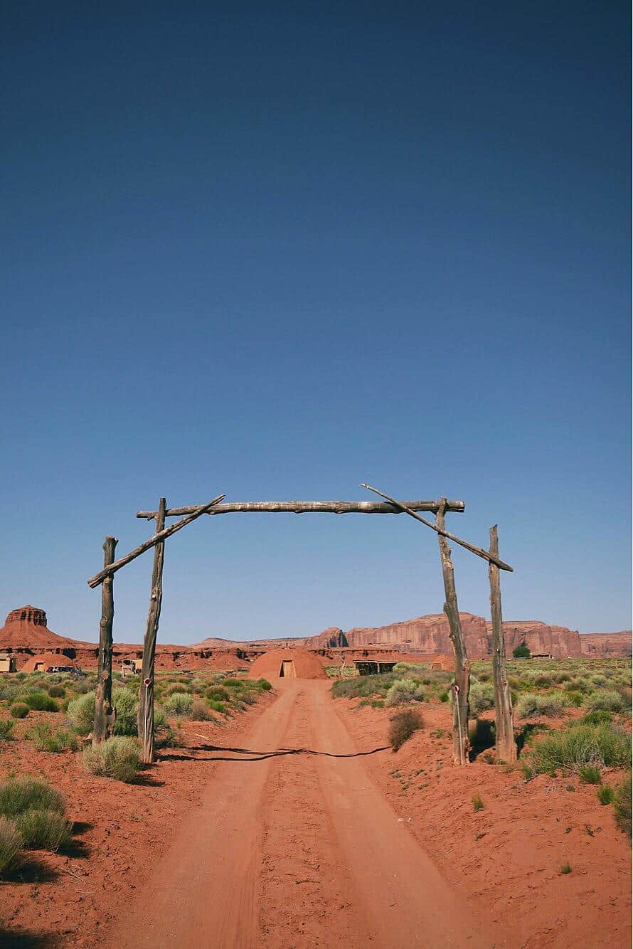 hogan airbnb monument valley