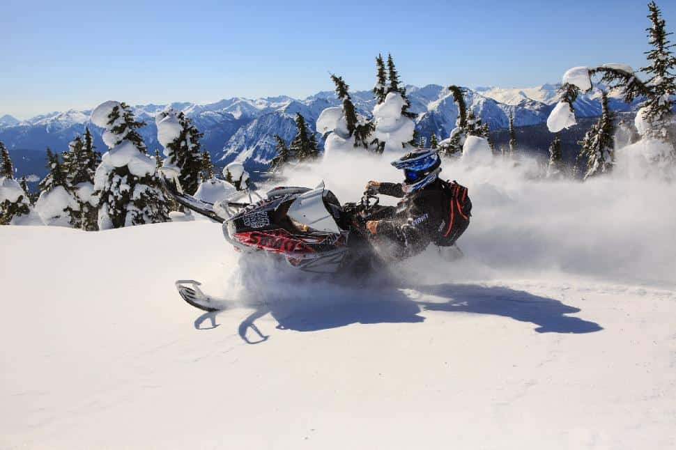 snowmobiling in Golden British Columbia