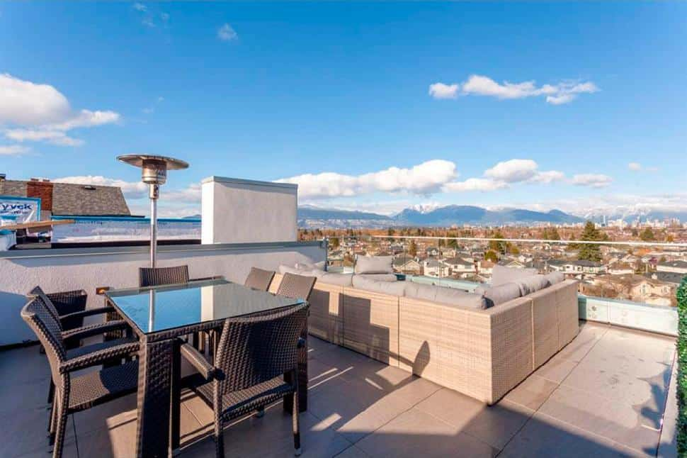 Vancouver west side roof top deck1