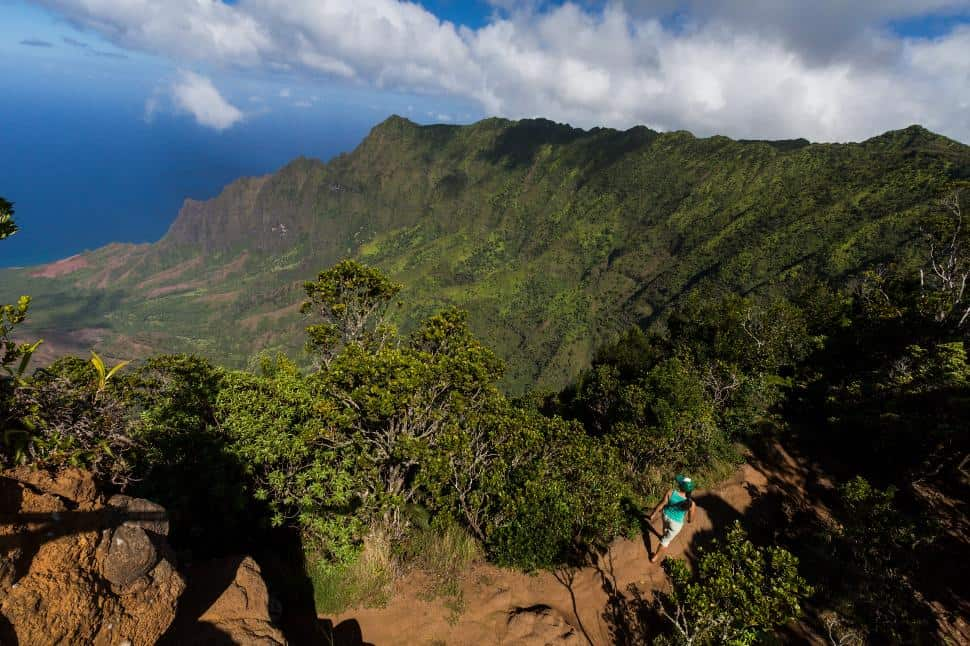 Hiking_Walimea Kauai_Credit_Hawaii Tourism Authority_HTA_Tor Johnson