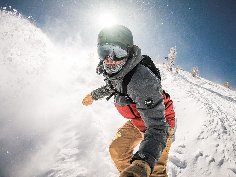 Snowboarding Mammoth Lakes