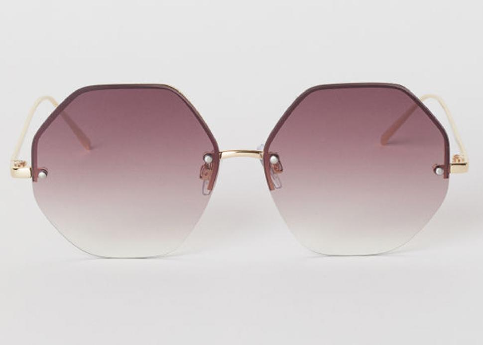 d979faa45b4c 10 Must-have Sunglasses for Spring 2019 - Simply Beautiful
