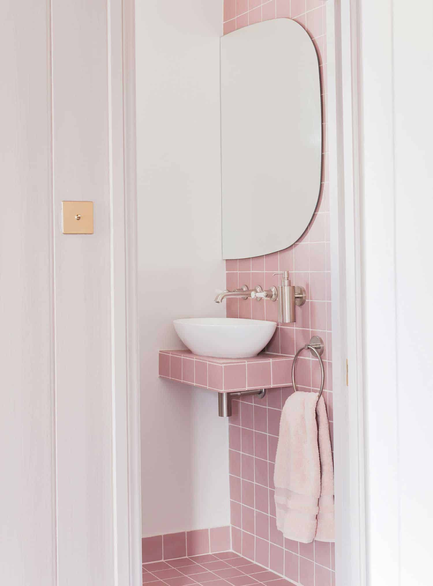pink-bathroom-2.jpg