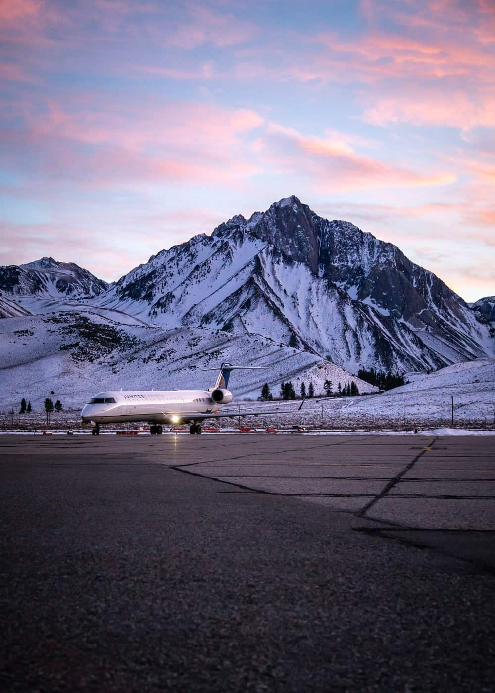 Mammoth Lakes Tourism airport