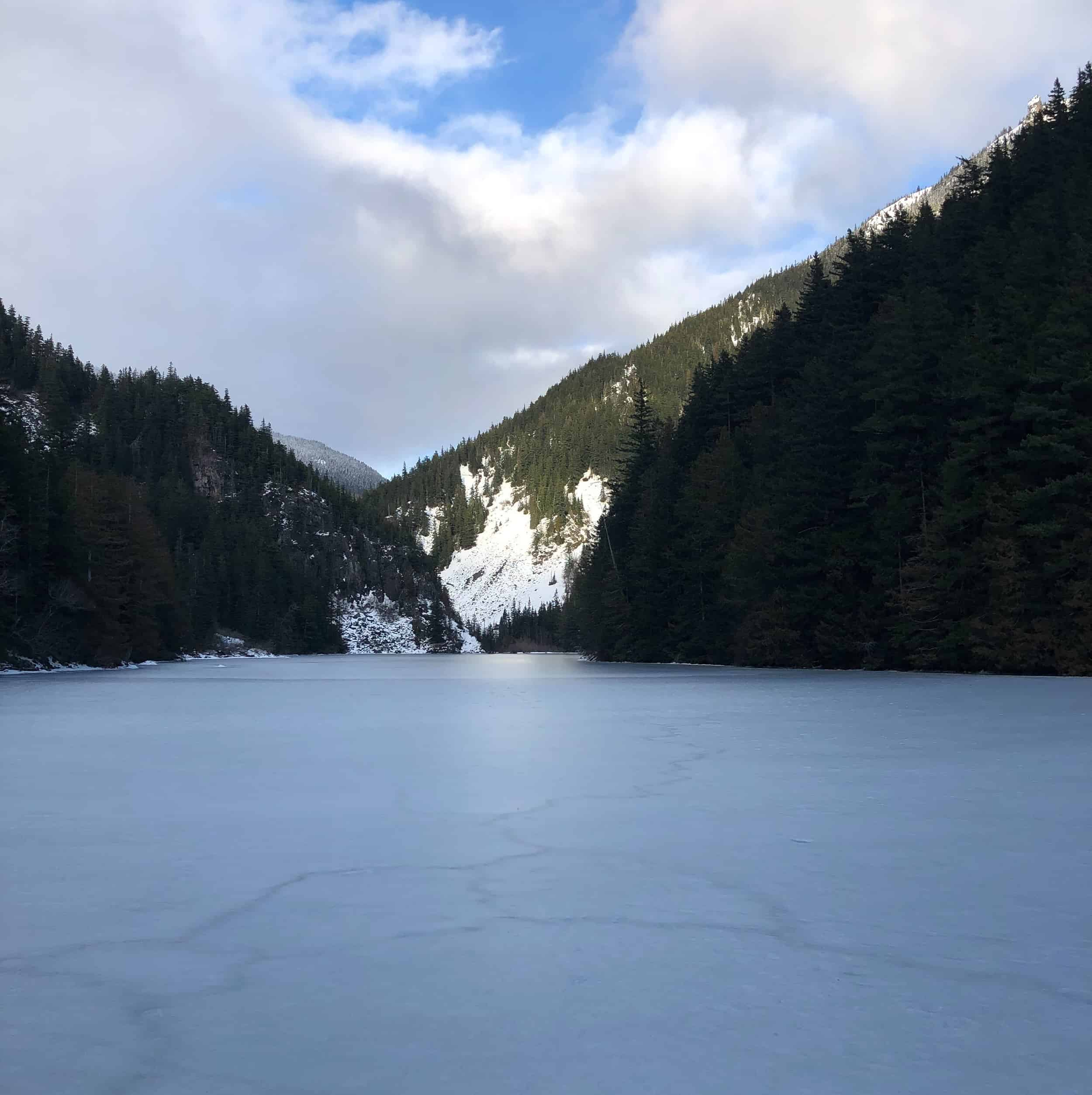 Can you hike Lindeman Lake in the winter? Plus Q Hydration taste-test