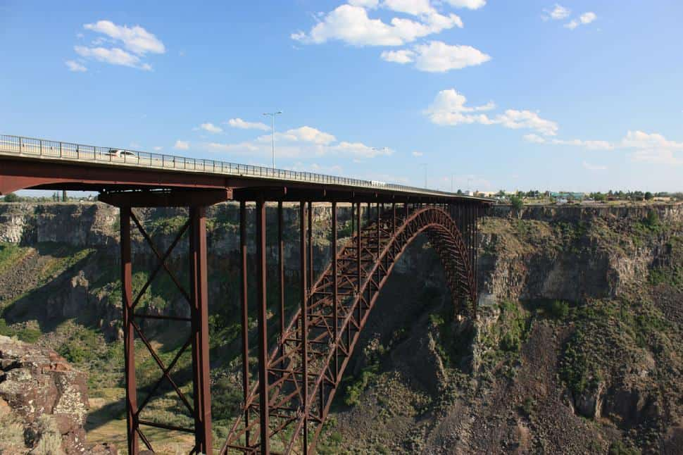 17 Highest Bungee Jumps in the United States - Explore the USA