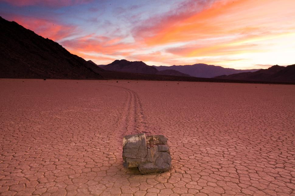 Death Valley - The Hottest, Driest, and Lowest Place in the USA ...