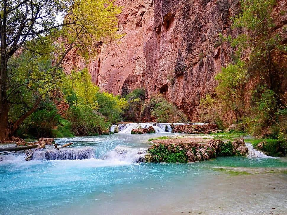 Hiking to the grand canyons garden of eden havasupai arizona havasu canyon publicscrutiny Image collections