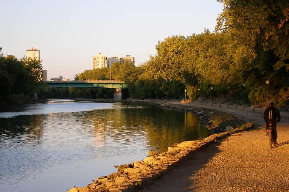 winnipeg river walk urban city trail