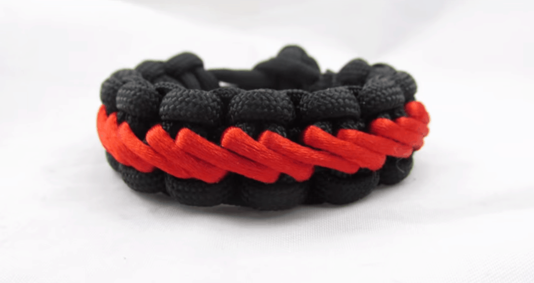 Stairstep Stich Paracord Guild