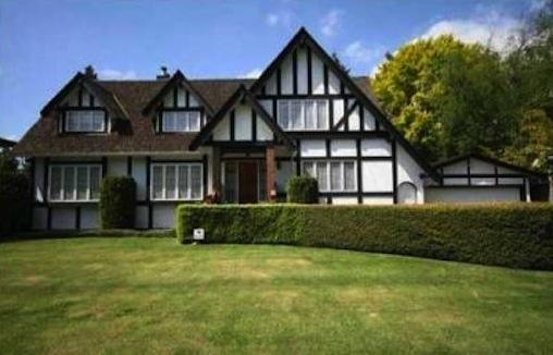 2. Kerrisdale: While this Westside neighbourhood ranked seventh overall, its average annual household income ranks second nationally, after Calgary's tony Britannia area. (RealtyLink)