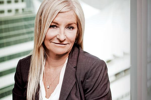 <strong>Debra Hewson</strong><br>