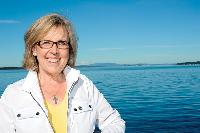 <strong>Elizabeth May</strong><br>