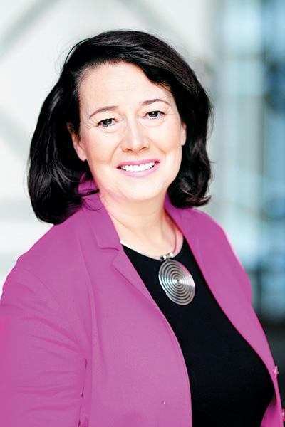 <strong>Janet Austin</strong><br>